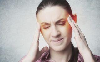 Почему пульсирует в висках и болит голова?