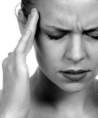 Почему постоянно болит голова?