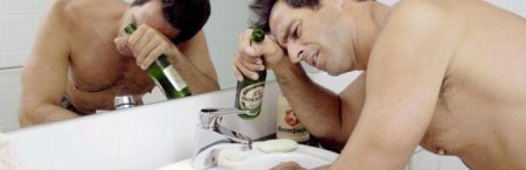 Что делать, если болит голова после алкоголя?