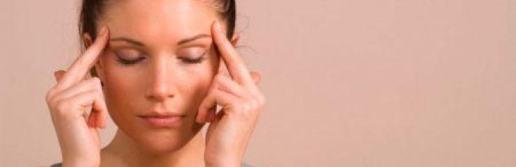 Почему постоянно болит голова в области висков?