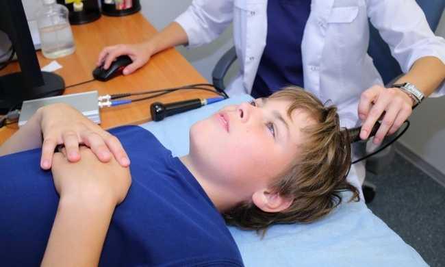 Процедура эхоэнцефалографии в эмиссионном режиме