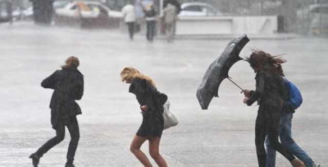 Сильный ветер и дождь